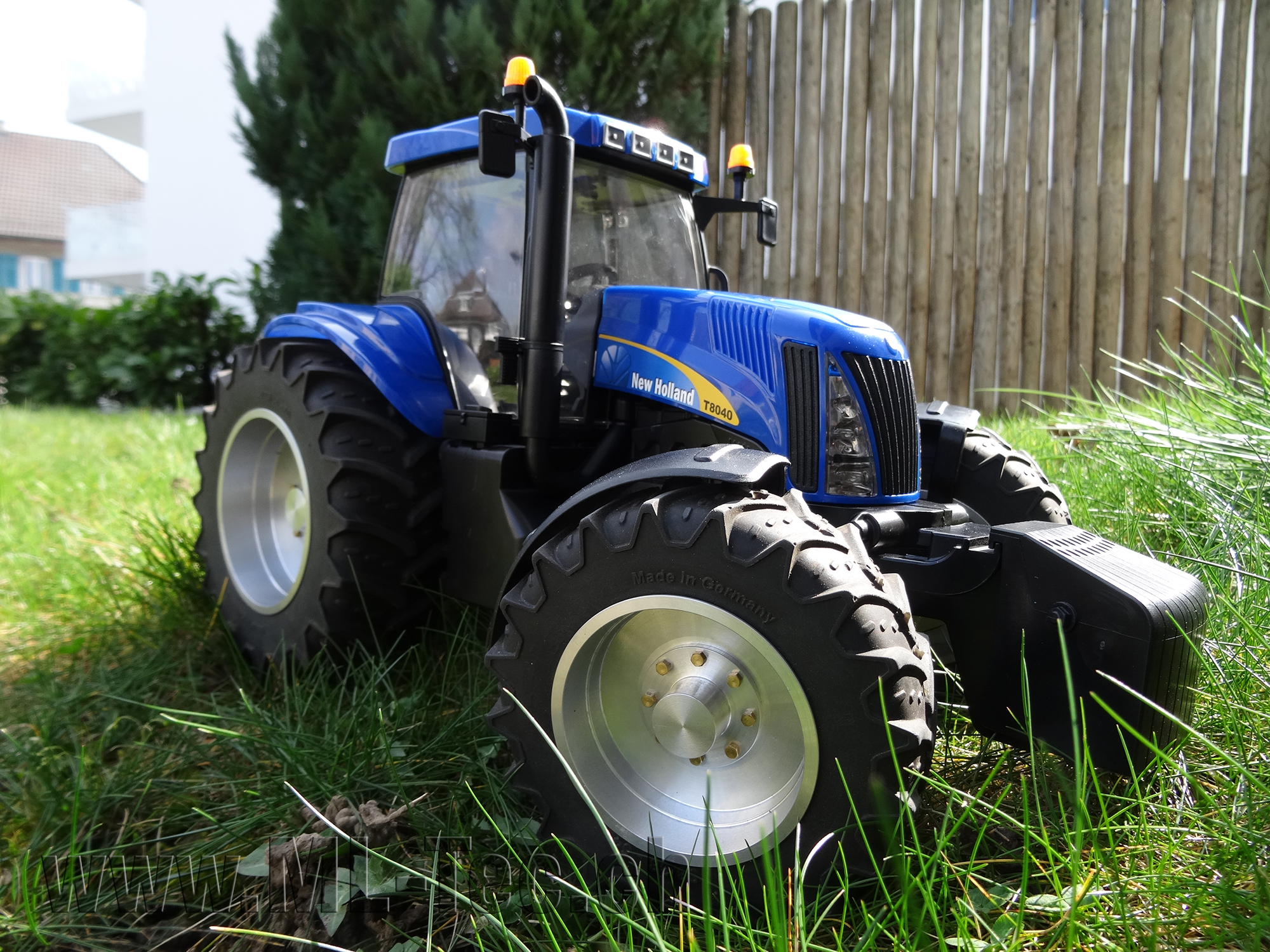 New Holland NEU